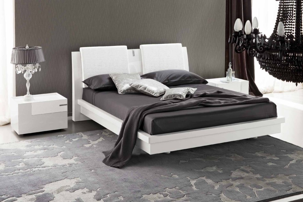 Letto In Pelle Nero Con Swarovski ~ duylinh for