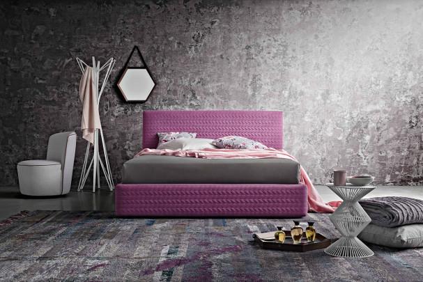 letto violet con superficie lavorata in ecopelle