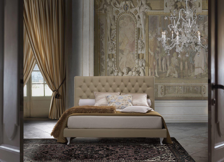 Letto classico matrimoniale con swarovski letto e materasso for Letto pelle